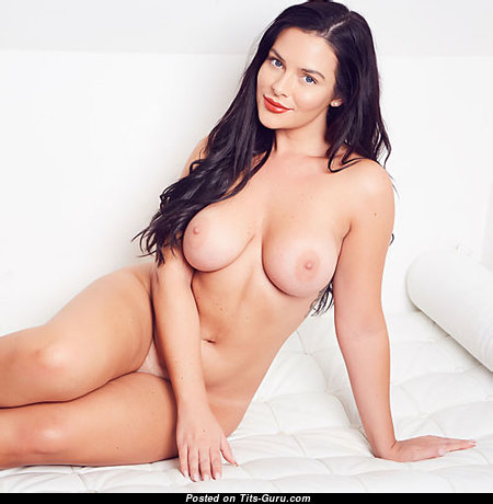 Stunning Unclothed Babe with Huge Nipples (Porn Picture)