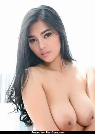Pitta Faii - Sweet Topless Asian Babe with Sweet Exposed Real Regular Tit (Sex Pic)