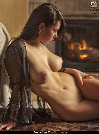 Yummy Babe with Yummy Open Natural Regular Tittys (Sex Pix)