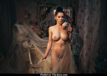 Sweet Naked Babe (Hd Xxx Photoshoot)