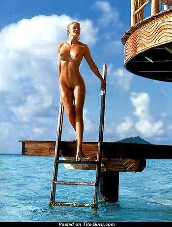 Nell McAndrew - Wonderful Unclothed British Blonde (Sexual Picture)