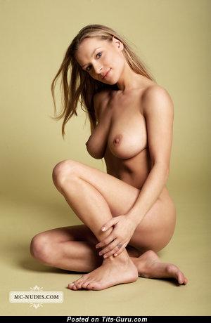Image. Daisy Van Heyden - nude blonde with medium natural boobies pic