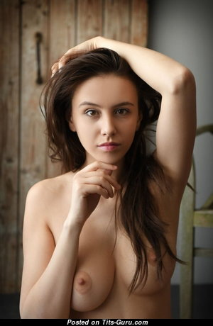 The Nicest Glamour Undressed Playboy Babe with Pointy Nipples (Porn Foto)