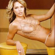 Niki Belucci - wonderful girl with natural tittes pic