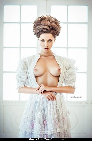 Exquisite Miss with Exquisite Bare Real D Size Busts (Sexual Foto)