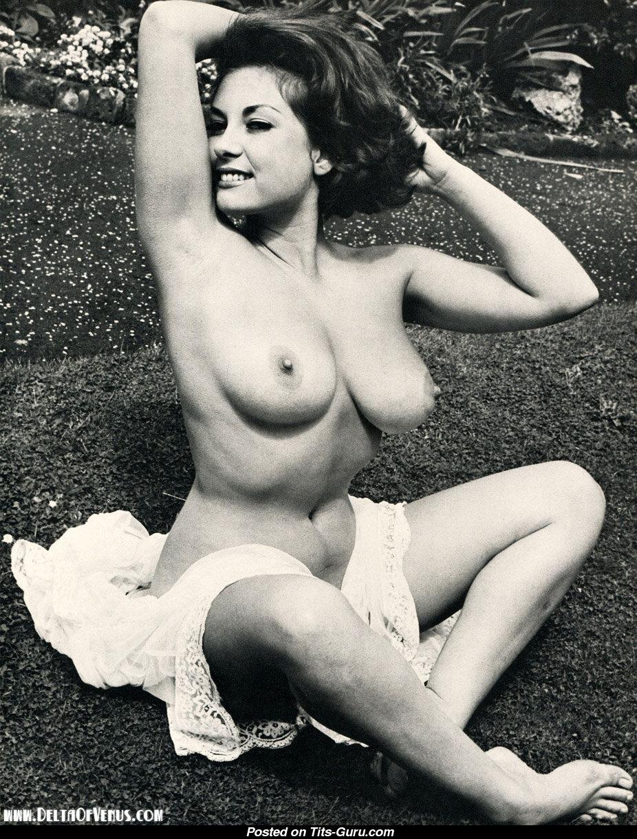 Hot mindy vega bikini