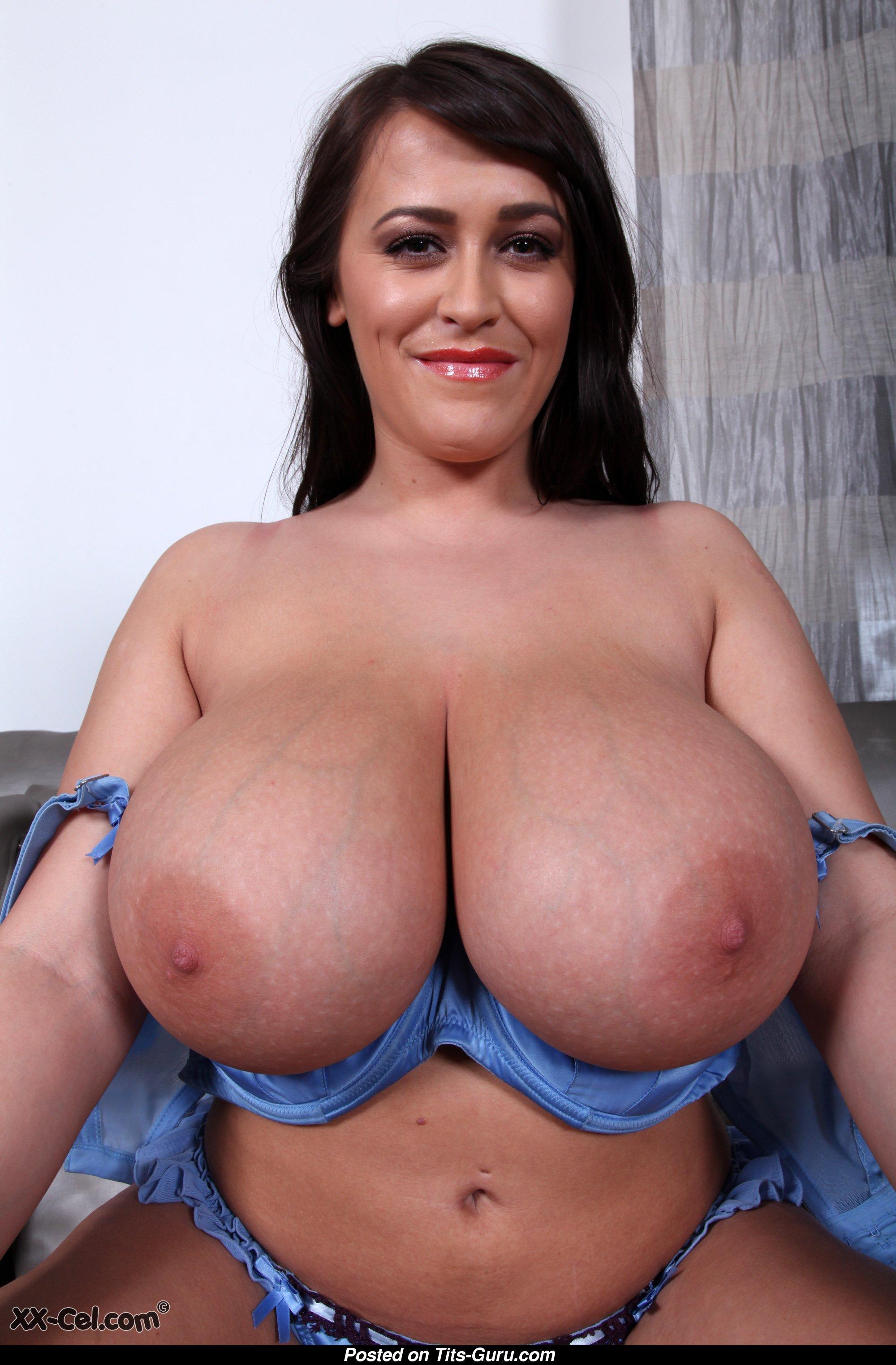 Leanne crow boobs