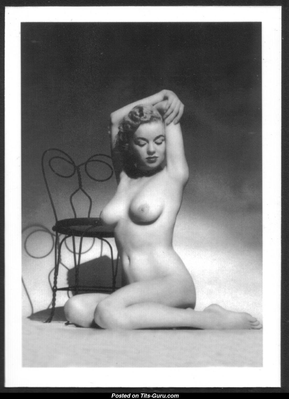 Marilyn Monroe - Topless Playboy Blonde Actress  Singer -2194