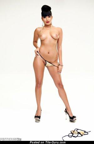 Shazia Sahari - sexy naked beautiful lady pic