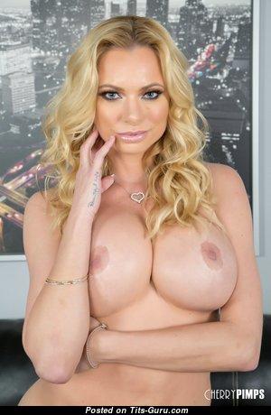 Brianna Banks - Stunning Topless Pornstar & Mom (Hd Porn Picture)
