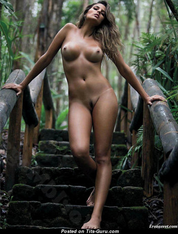 Paraiba Mari - Fine Latina Brunette Girlfriend & Babe with Fine Naked Regular Hooters (Sex Photoshoot)