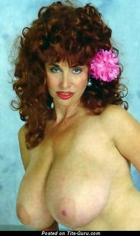 Изображение. Joyce Gibson - фотография обалденной раздетой леди с большими сисечками