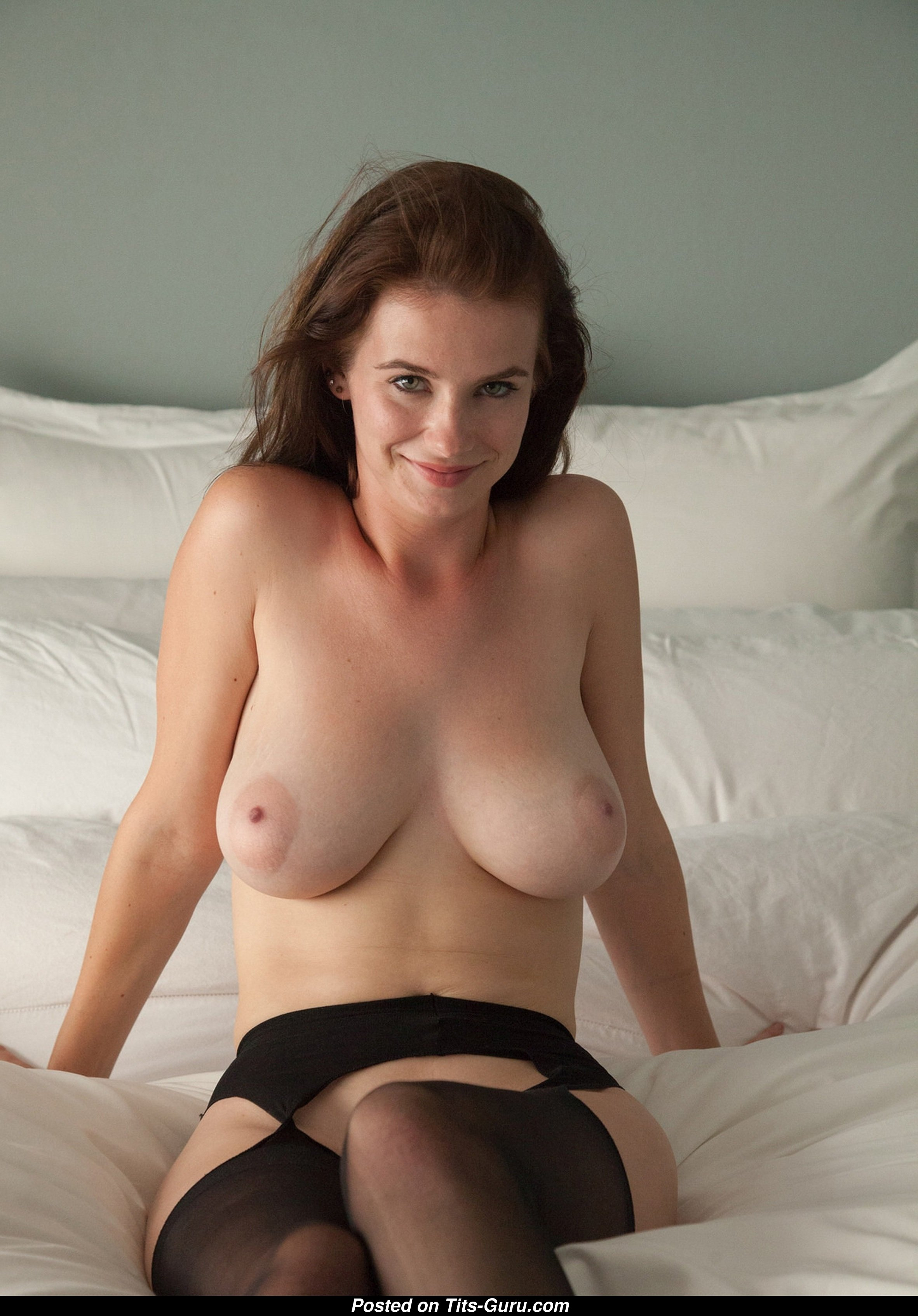Nice Babe with Nice Bald Real Dd Size Tits & Long Nipples (Private Hd Xxx  Pic)