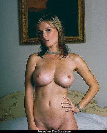 Miriam Baroque - Pleasing Babe with Pleasing Naked Regular Chest (Xxx Photo)