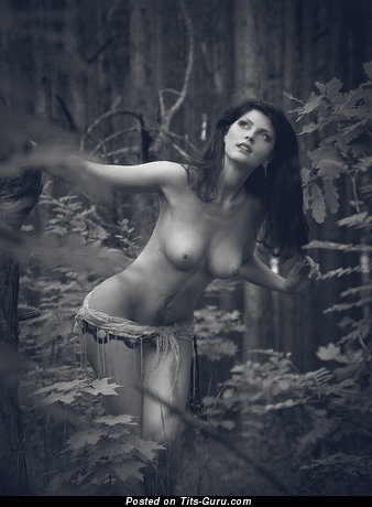Image. Naked wonderful lady with medium natural tittes pic