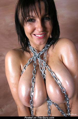 Kora Kryk - Fine Topless Polish Brunette Babe with Fine Bald Real Tit & Huge Nipples (Amateur Hd 18+ Foto)