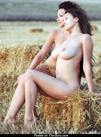 Superb Babe with Superb Exposed Real C Size Titties (18+ Photo)