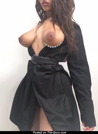 Jasbratty - Superb Ebony Babe & Actress with Superb Bald Natural Medium Sized Breasts & Enormous Nipples in Pantyhose is Undressing (on Public Hd Porn Foto)