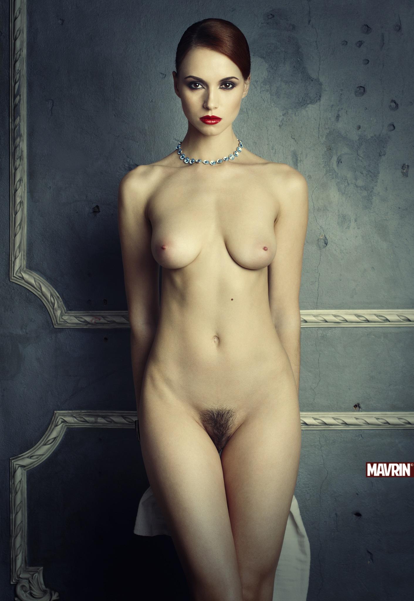 фото не цветное девушек голых