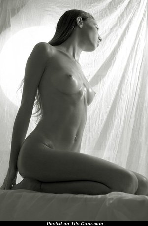 Nude wonderful lady with natural tots picture