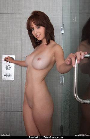 Haiden Winters - Superb Topless Babe with Superb Bare Regular Boobs (Hd Xxx Image)