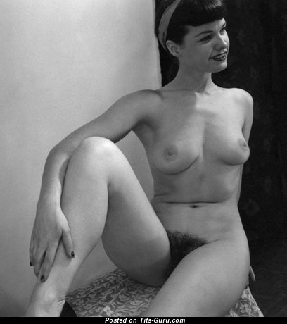 Fine Brunette with Fine Open Real Petite Tittes (Vintage Hd Sexual Foto)