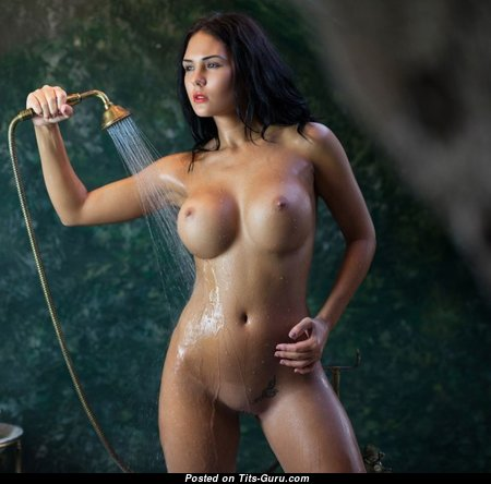 Fine Babe with Sexy Open Fake Jugs (Porn Pic)