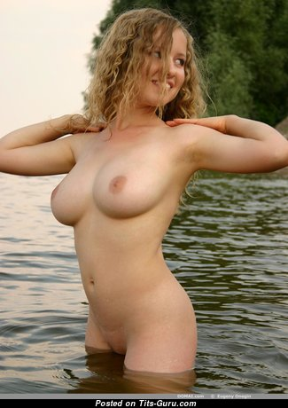 Dashka - Yummy Topless Doxy with Yummy Exposed Natural Dd Size Boob (Hd Xxx Image)
