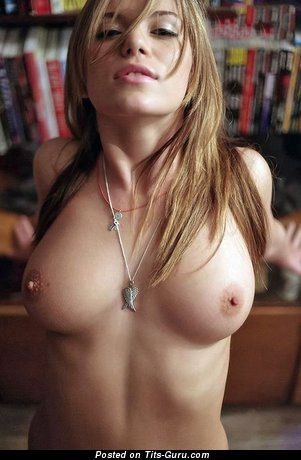 Yummy Girlfriend with Yummy Naked Natural Medium Breasts (Sex Photo)