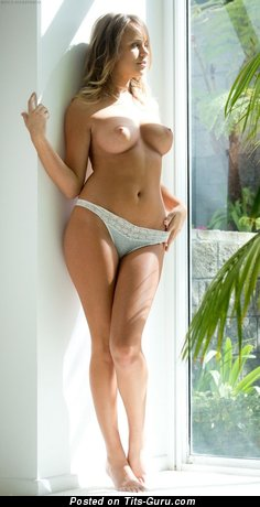 Beautiful Doxy with Beautiful Exposed Real Dd Size Tittes (Hd Xxx Image)