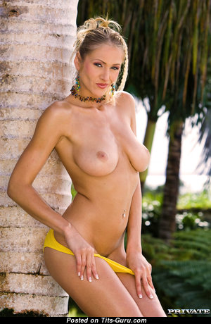 Jane Darling - Handsome Czech Blonde Babe & Pornstar with Handsome Nude Natural Balloons in Bikini (Hd 18+ Foto)