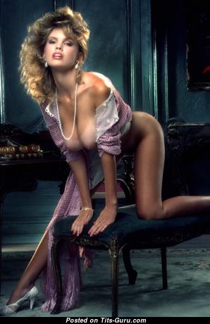 Donna Edmondson: рыжая Playboy (США) с крутым голым натуральным бюстом (ретро порно фото)