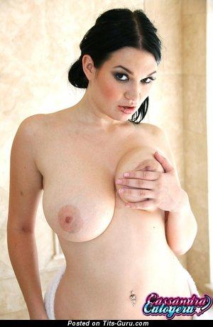 Cassandra Calogera - naked amazing female with natural boobs photo