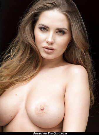 Pretty Babe with Pretty Bare Real Tight Titties (Hd Sexual Photoshoot)