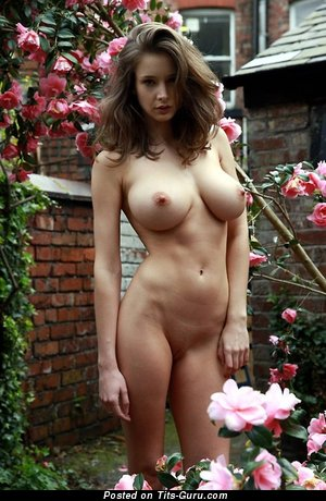 Amazing Lady with Adorable Naked Ddd Size Boobie (Xxx Image)
