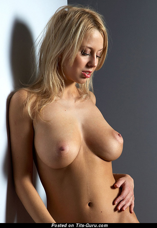 Cute Topless Blonde Babe with Cute Open Natural Average Boobys (18+ Picture)