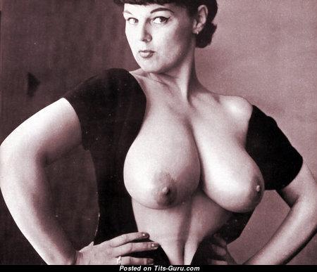 Lorraine Burnett - Grand British Blonde with Grand Nude Real Boobies (Vintage 18+ Foto)