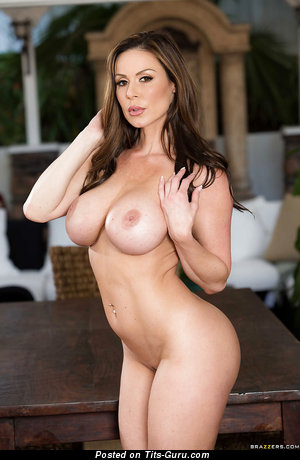 Kendra Lust - nude nice girl with medium boobies photo