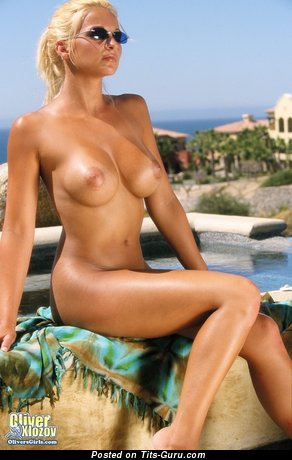Heather Hanson - Stunning American Lady with Stunning Naked Regular Busts & Large Nipples (Porn Image)