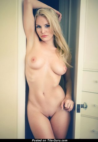 Image. Hot girl with natural tittys image