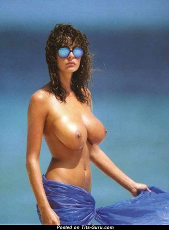 Donna Ewin: sexy nude brunette with natural breast picture