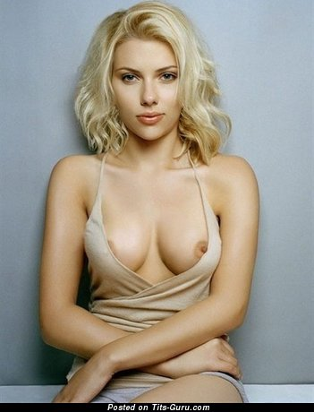 Scarlett Johansson - nude blonde with medium natural tittes photo