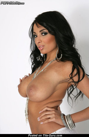 Anissa Kate - Fascinating Algerian, French Dish with Hot Nude G Size Melons (Hd Xxx Picture)
