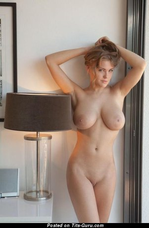 Viola Bailey - nude wonderful lady with medium natural boobies picture