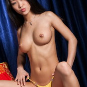 Mariko - asian with natural tots pic