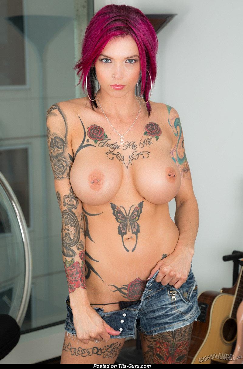Anna Bell Peaks Topless