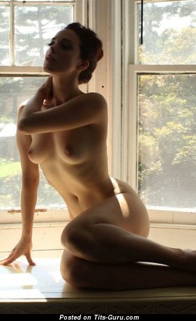 Image. Naked amazing lady with natural tittys pic