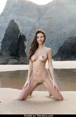 Alisa A - sexy nude awesome lady with medium natural breast picture