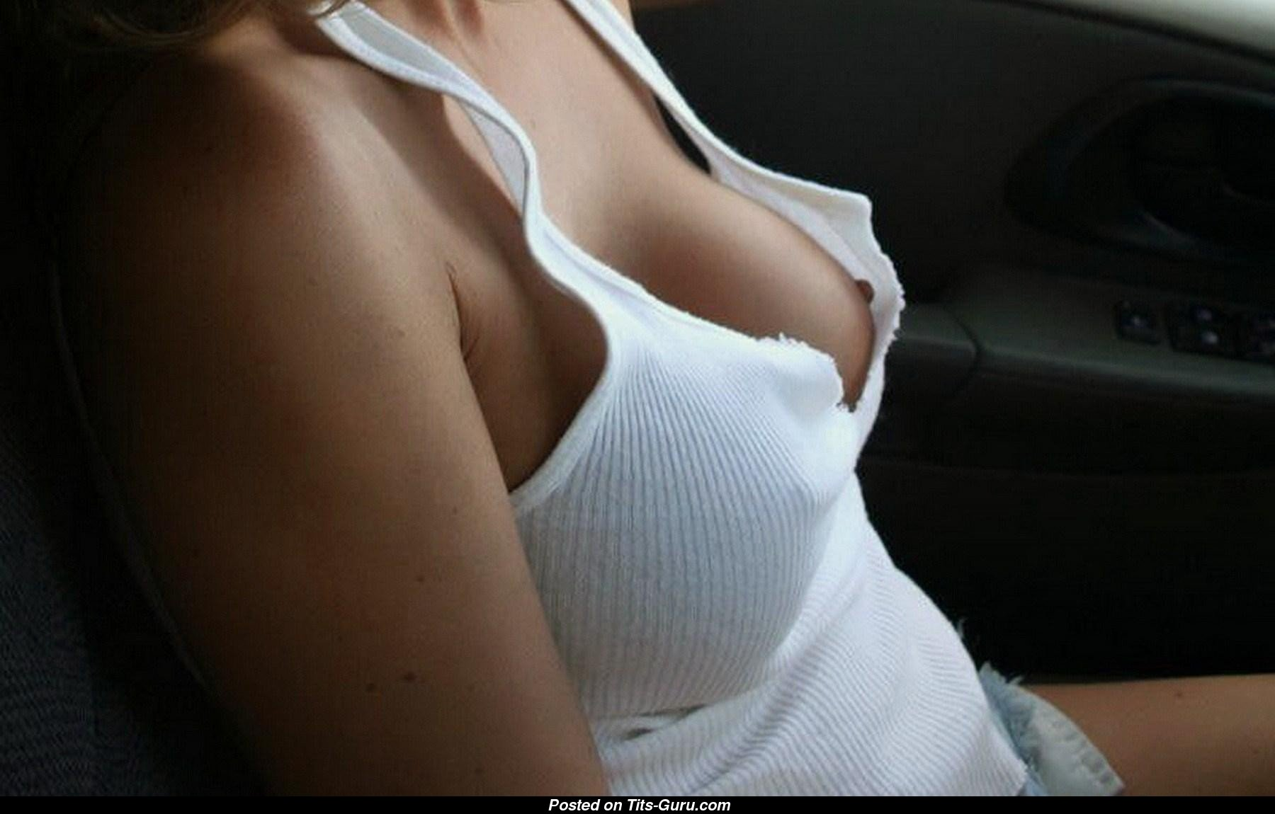Фото женской груди из под майки, Фото сосков девушки в мокрой майке - Частное порно фото 26 фотография