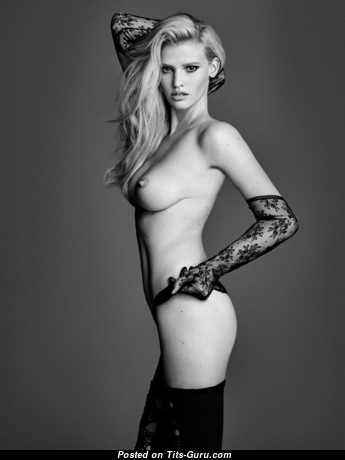 Lara Stone - The Nicest Topless Dutch Blonde with The Nicest Bald Natural Melons (Sex Pic)